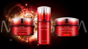 Missha Vitality Time Revolution -sarjan tuotteet on rikastettu granaattiomenan, karpalon ja hibiskuksen uutteilla. Sarjan tuotteet lisäävät kollageenin tuotantoa, tehostavat solujen uusiutumista, parantavat ihon elastisuutta ja ravitsevat sekä kosteuttavat ihoa.